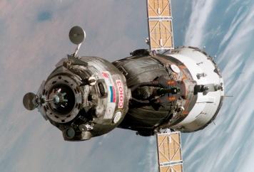 Soyuz_TMA-6_spacecraft