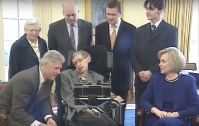 Stephen_Hawking_and_Clintons_in_White_House_March_5,_1998_(04)